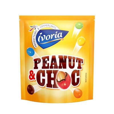 Bonbons de chocolat au lait (48%) fourrés d'une cacahuète (23%) et dragéifiés (Ivoria)