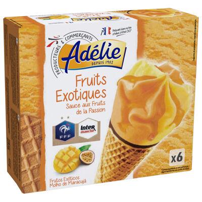 Sorbet passion 38,1%, sorbet mangue 38%, gaufrette 13,4%, pâte à glacer au cacao maigre 6,3% et sauce aux fruits de la passion 4,2% en décor (Adelie)