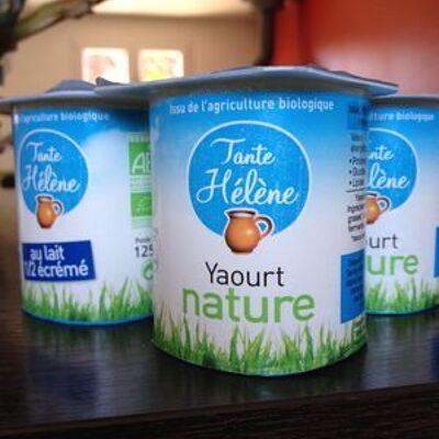 Yaourt nature au lait 1/2 écrémé (Tante hélène)