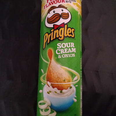 Sour cream & onion (Pringles)